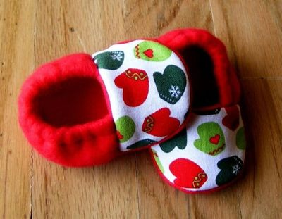 Christmas Mittens Fleece Baby Booties