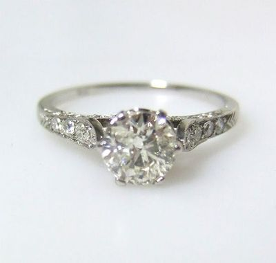 Antique engagement ring 1920's.