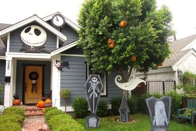 My Nightmare Before Christmas yard decorations. Jack head, count down  clock, Scary Teddy - My Nightmare Before Christmas Yard Decorations. Jack Head, C