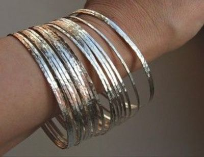 7 Thin Hammered Sterling Silver Stack Bangle Bracelets in a set of 7, designed to match the sterling silver stackable rings sets available in my store. Can be mixed with the thin 14k gold fill bangles bracelets I am also offering in my shop, for a perfect...