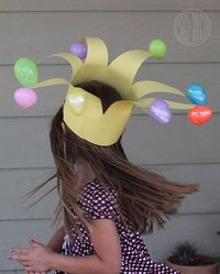 This easter egg crown is so cute!