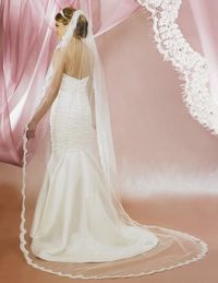 Beautiful! Symphony Bridal 5628VL Lace Edge Cathedral Wedding Veil