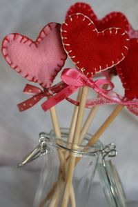 Felt Valentine Suckers: Tutorial