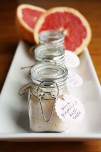 pink grapefruit bath salts recipe...so inexpensive and they make such great gifts!