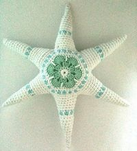 Star ~ Free Pattern http://www.ravelry.com/patterns/library/hexagons-are-my-stars-tutorial