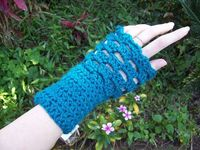 Pattern: Morgaine Fingerless Mittens