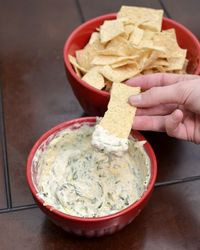 Make some homemade spinach dip and lighten it up with fat free cream cheese #recipe #lowfat
