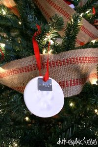 love this! puppy paw print ornament!