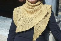 Toscane Shawl...really like this pattern & the pale yellow!