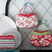 Girl's Party Purse - Free Pattern