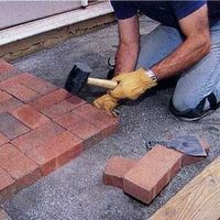 Lay an Appealing Brick Patio -- Good instructions, but I can't see the pictures