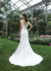 V Neck Chapel Train Lace Ivory Trumpet Mermaid Wedding Dress