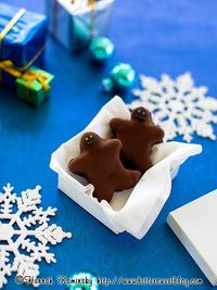 Speculoos-Gingerbread Cake Truffles by bittersweet #Truffles #Gingerbread #Speculoos