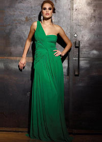 Green Pleated A Single Shoulder Strap Gown With Train